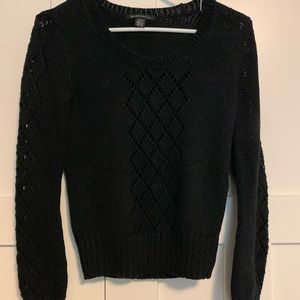 Beautiful Kenneth Cole sweater with detailing